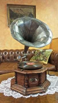 Gramofón s trúbou