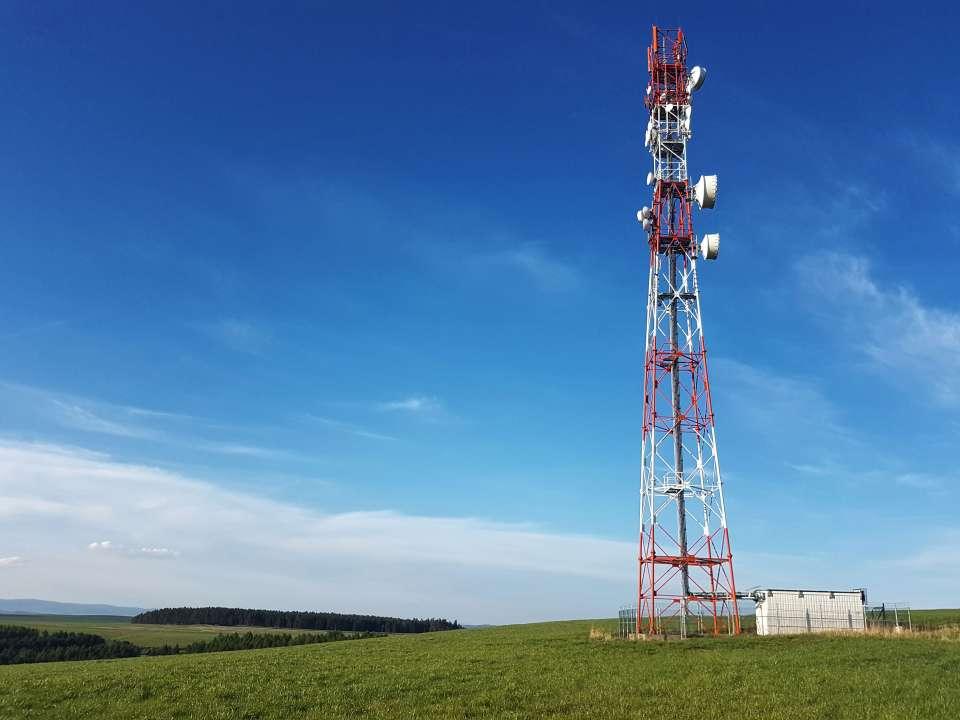Telekomunikačný vysielač